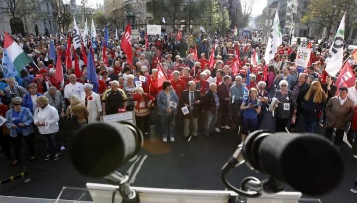 Brókerbotrány - Baloldali pártok demonstrációja Budapesten