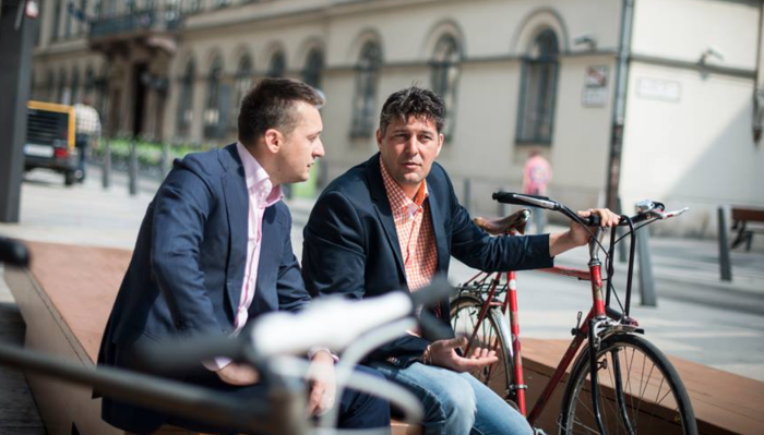 Former Budapest District 5 mayor Antal Rogán (left) seen here with his hand-picked successor Péter Szentvölgyi (and two bicycles).