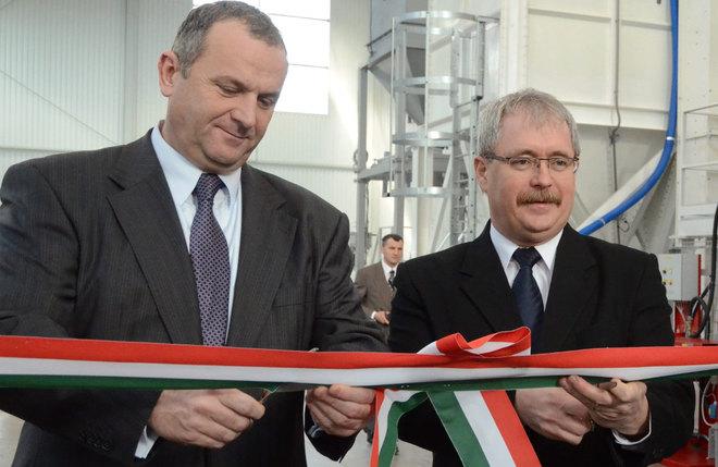 László Horváth and Sándor Fazékes at a ribbon cutting ceremony.