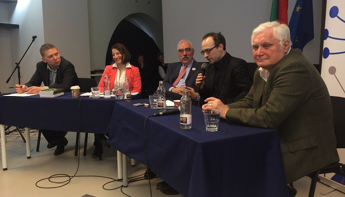 Left to right: Zoltán Kész, Zsuzsanna Szelényi, Lajo Bokros, W. Árpad Tóta, László Kéri