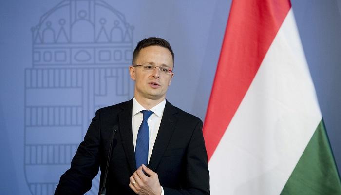 Budapest, 2016. június 24. Szijjártó Péter külgazdasági és külügyminiszter sajtótájékoztatót tart a brit népszavazásról Budapesten, a minisztériumban 2016. június 24-én, a brit népszavazás másnapján. A brit szavazók 52 százaléka szavazott a kilépésre, 48 százaléka a bennmaradásra. MTI Fotó: Koszticsák Szilárd