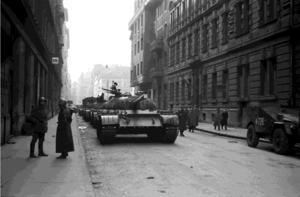 Soviet tanks lumbering up a Budapest street, October 1956. Fortepan.