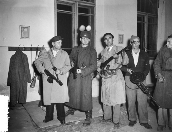 Armed insurgents preparing to fight, Budapest, October 1956. Fortepan.