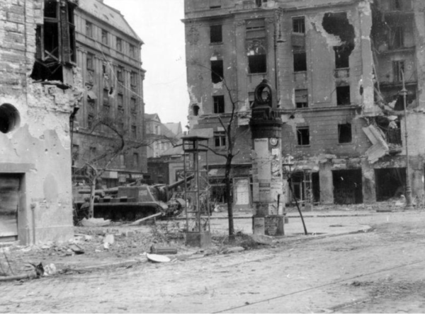 A bombed street, Budapest, November 1956. Fortepan. Photo: Rupert Colley