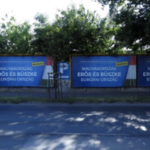 Political billboards have no political benefit, says Fidesz-tied researcher on state TV