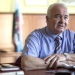 District mayor faces disciplinary procedures for not signing contracts he suspected of corruption