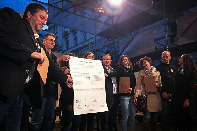Eight opposition parties sign joint declaration on election reform at Agóra