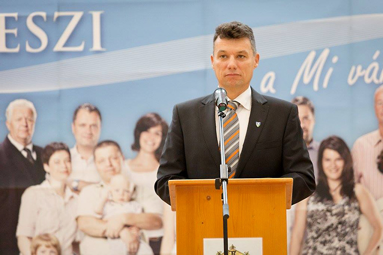 Fidesz mayor ordered physician to disclose medical condition of DK council member