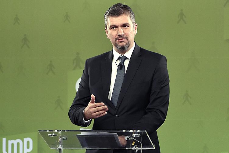 LMP's Ákos Hadházy to file criminal complaint against Orbán