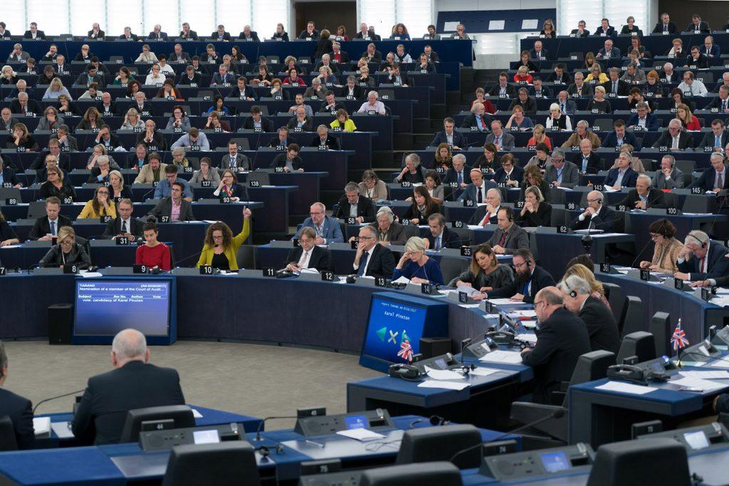 Fidesz touts misleading reading of European Parliament decision on asylum policy
