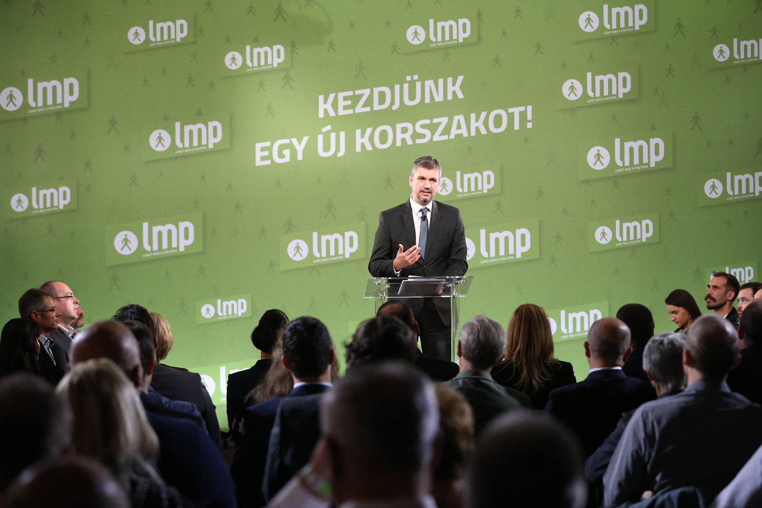 Hadházy questions validity of National Consultation questionnaires