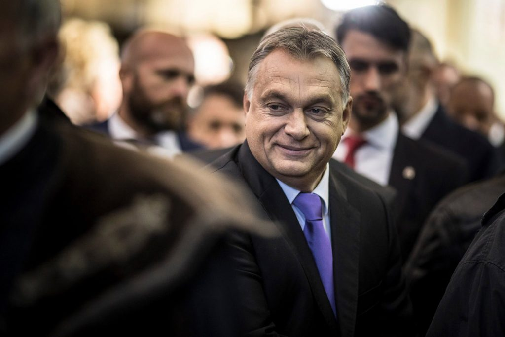 Viktor Orbán asks for voters' money in personal letter