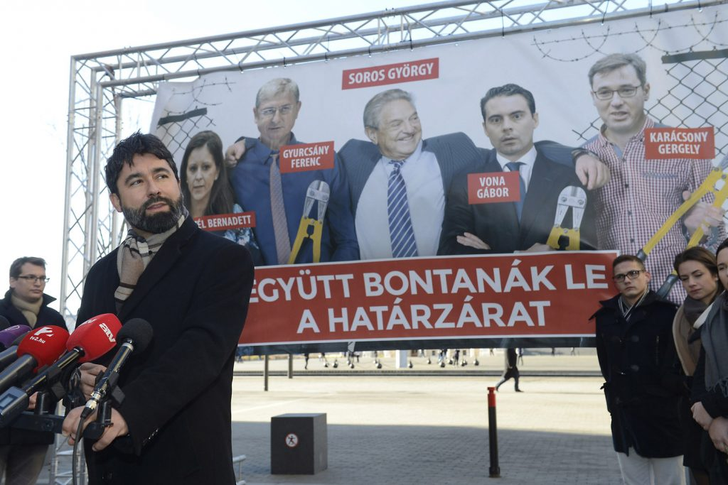 Fidesz launches opposition smearing billboard and phone campaign