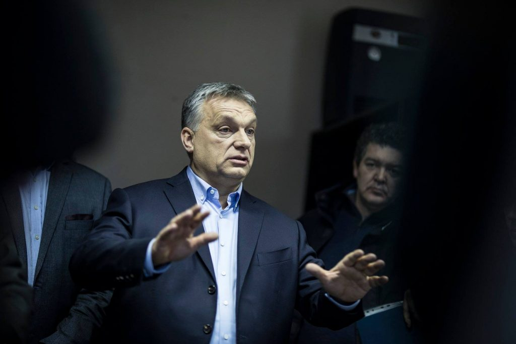 Viktor Orbán and Fidesz left 1.3 million Hungarians by the side of the road, says hvg publicist 3