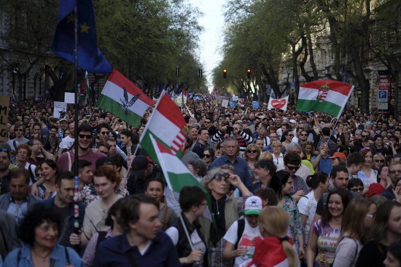 Tens of thousands of protestors demand new elections, opposition solidarity 3